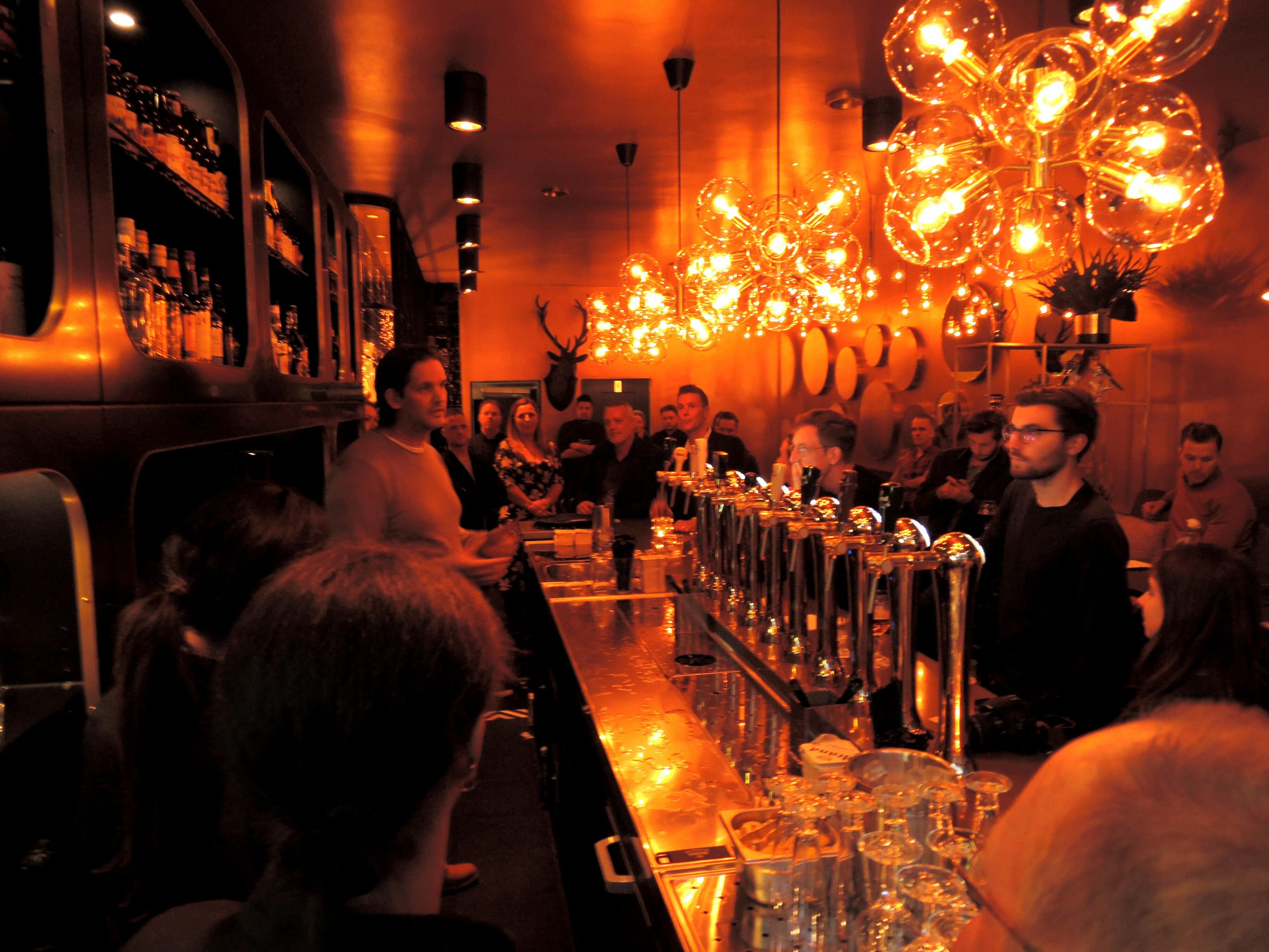Bierboutique bier drinken in stijl de buik van rotterdam