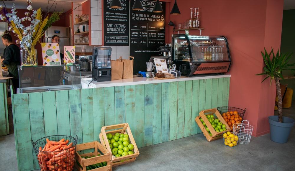 Voor verse smoothiebowls en sandwiches naar ontbijt- en lunchbar Sappi Noord