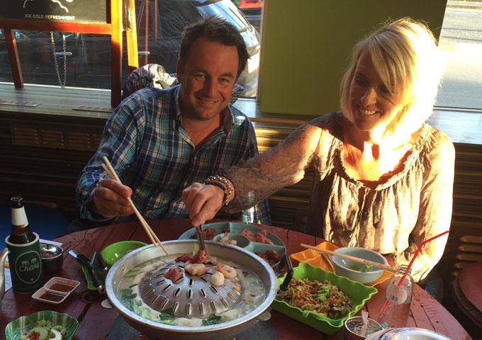 Barbecue Restaurant Rotterdam.Asian Bbq Zalig Eten In Een Thaise Santekraam De Buik Van Rotterdam